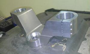 frezowanie CNC elementy samochodów i motocykli WP 20131219 004 elementy robotow i maszyn